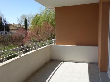Verkauf 3 zimmer wohnungen salon de provence ref 679774 for 13300 salon de provence mappy